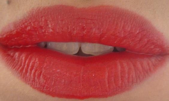 Rouge 104 lèvres