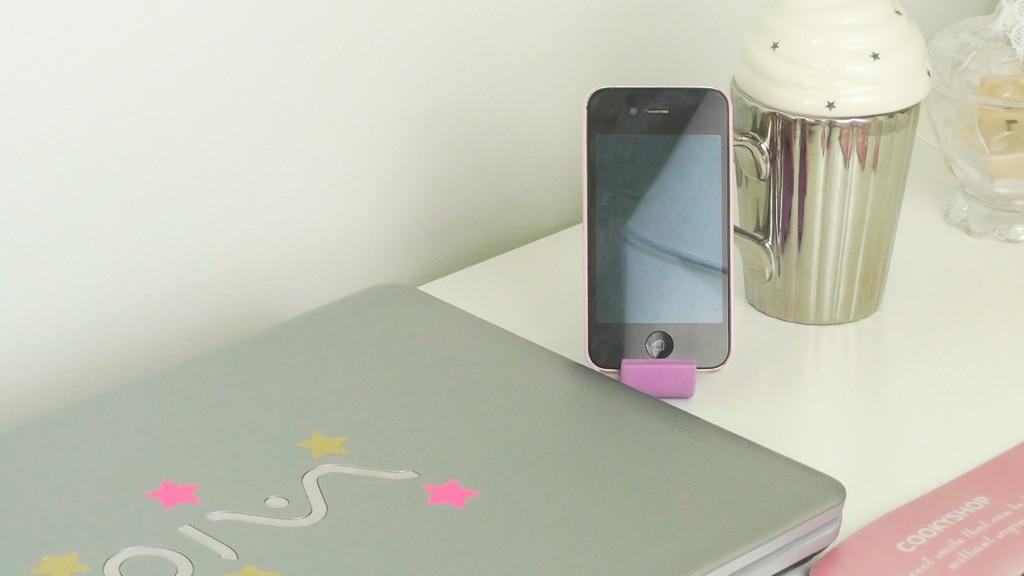 Porte téléphone née jolie
