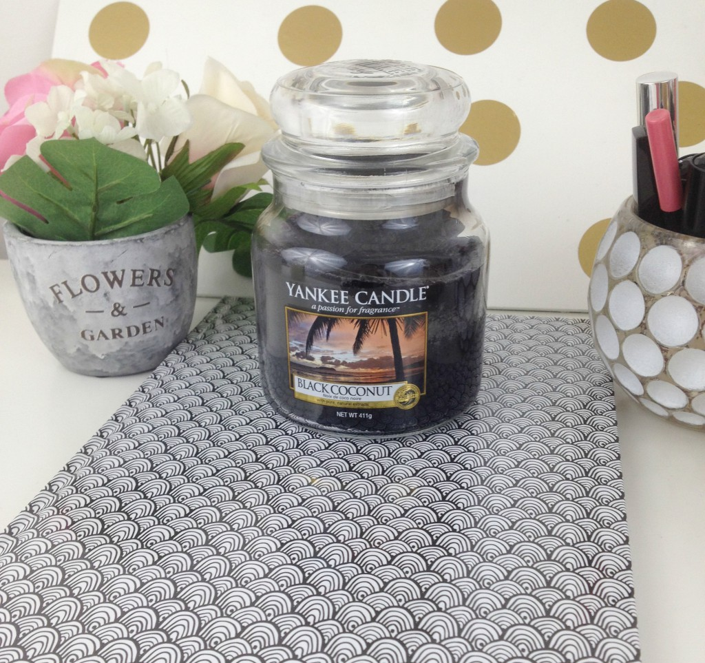 bougie black coconut candle oups lille