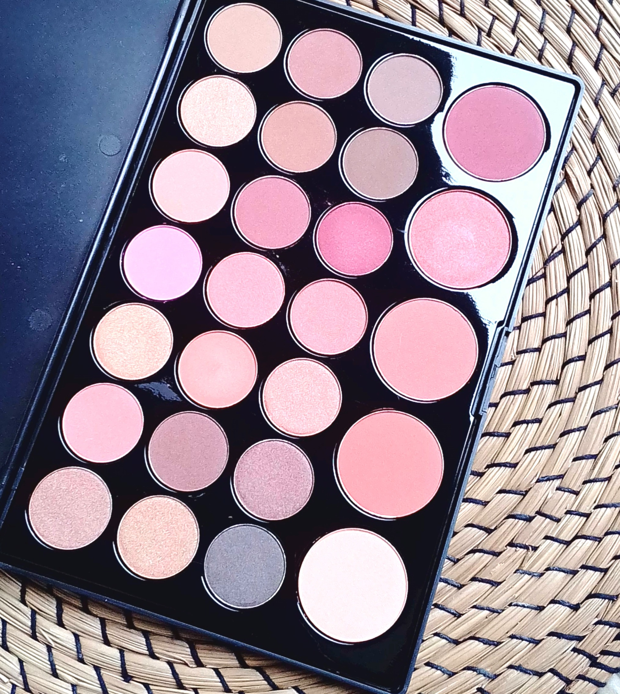 palette bh cosmetics neutrals addictshoppeuse