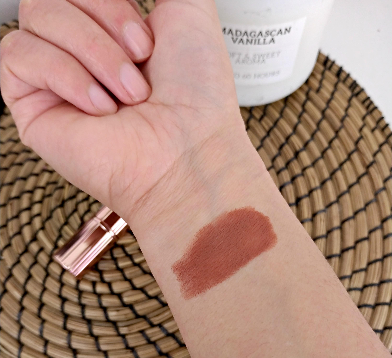 rouge à lèvres teinte vintage makeup révolution