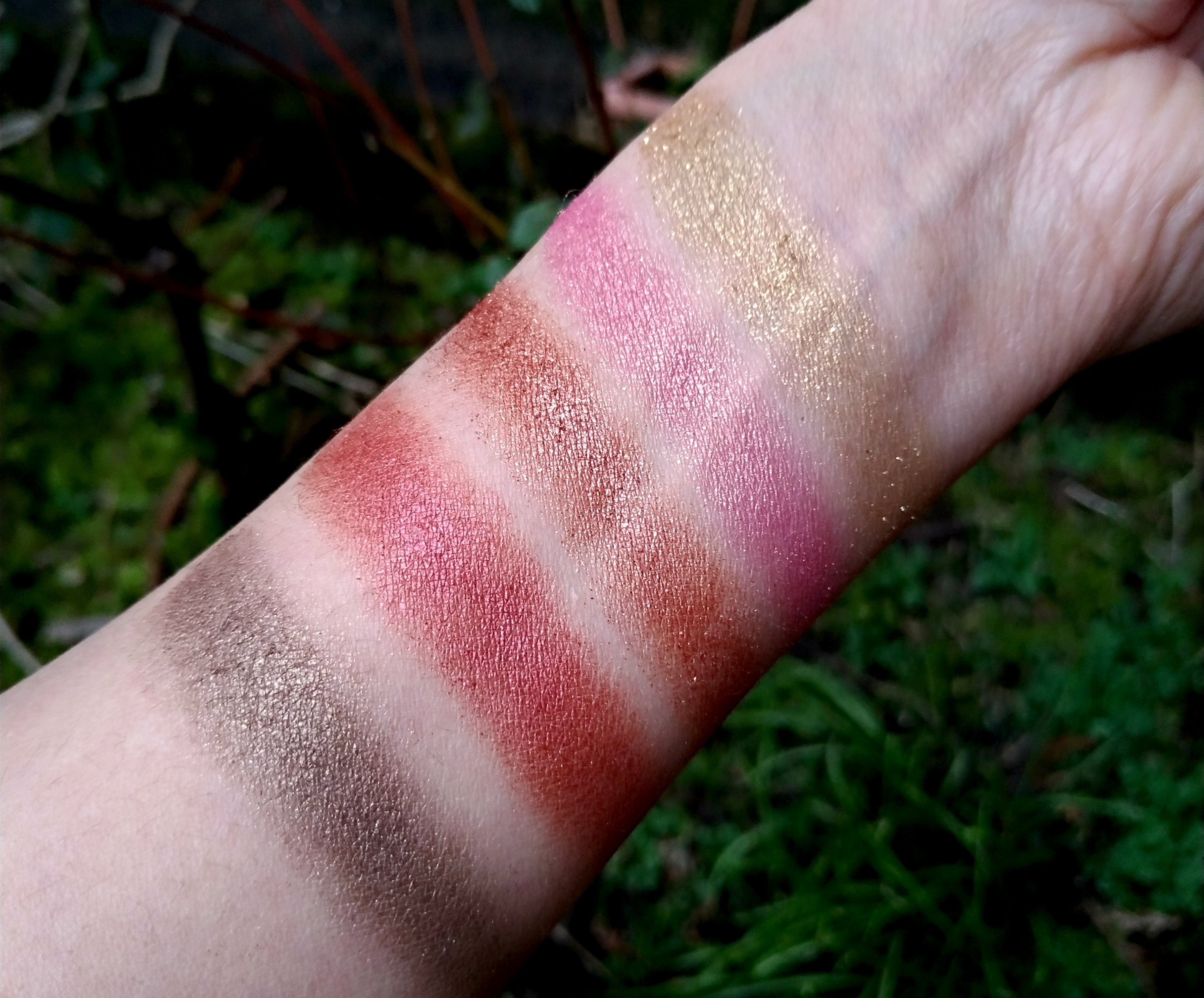 swatchs rose gold palette makeup revolution dupes makeup
