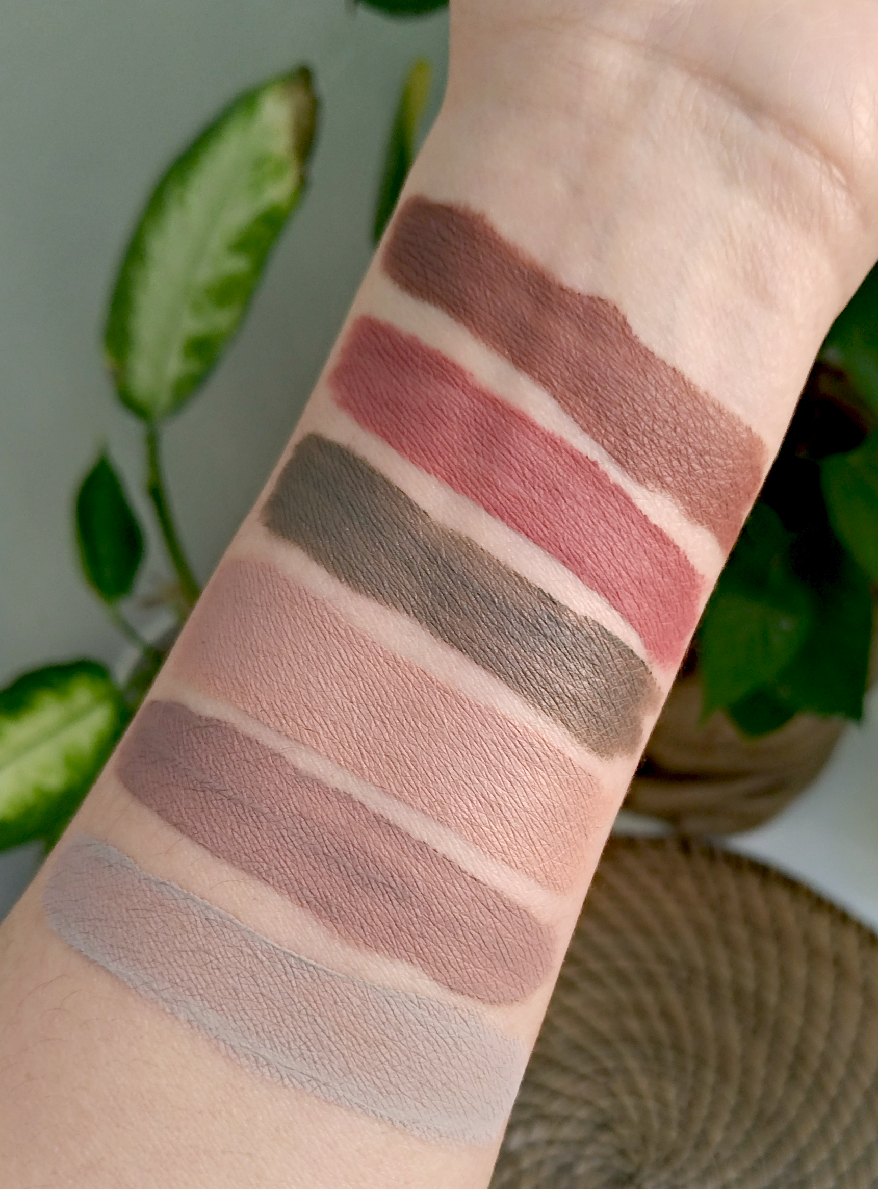 Swatchs lid lingerie nyx
