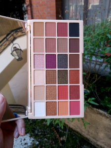 Palette yeux soph'x collection makeup revolution