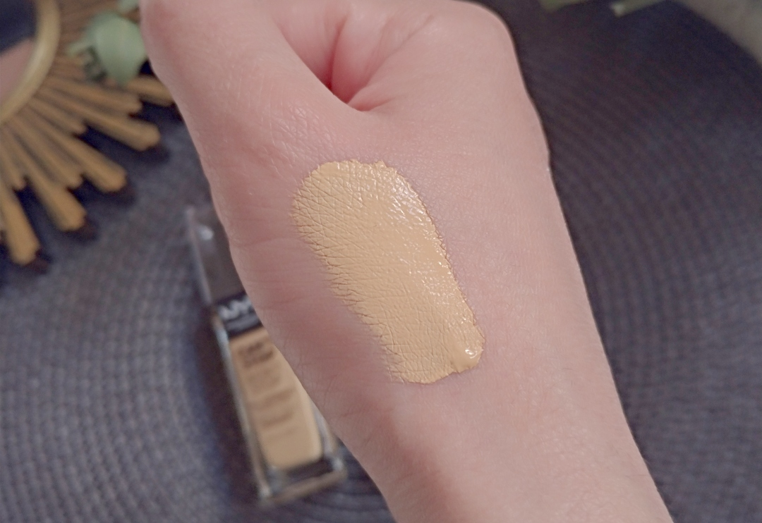 Swatchs anti cernes nyx can't stop won't stop true beige 08