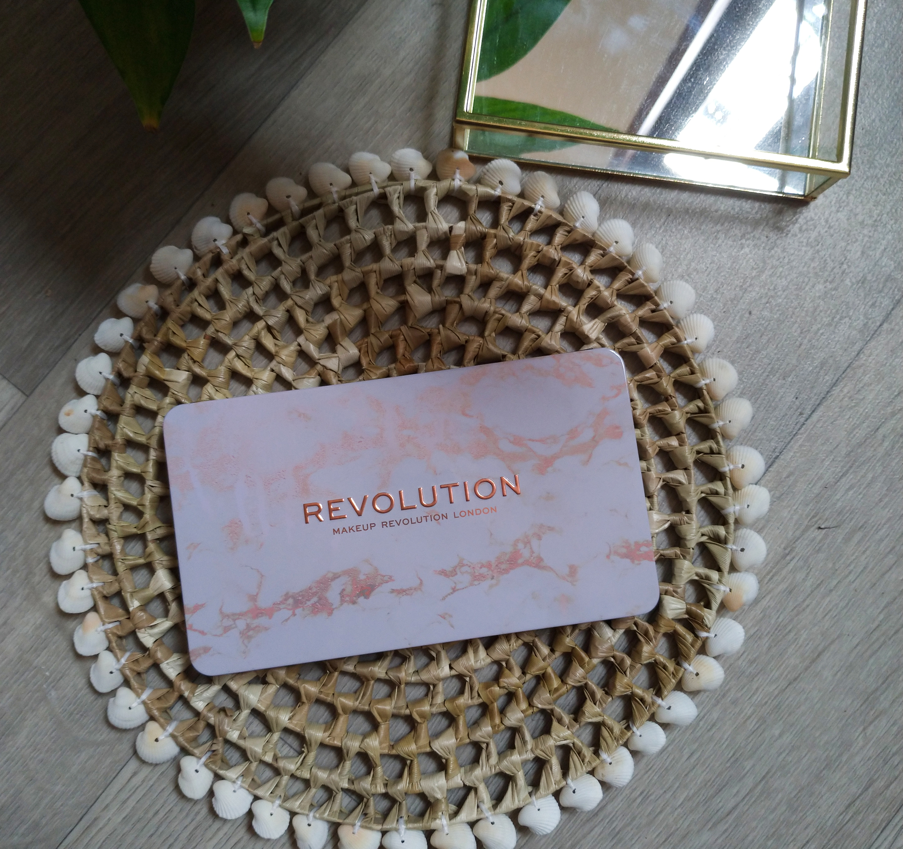palette decadent makeup revolution